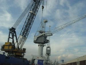 Three rail cranes 35 tons