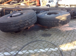 Tires Straddle carriers for sale!