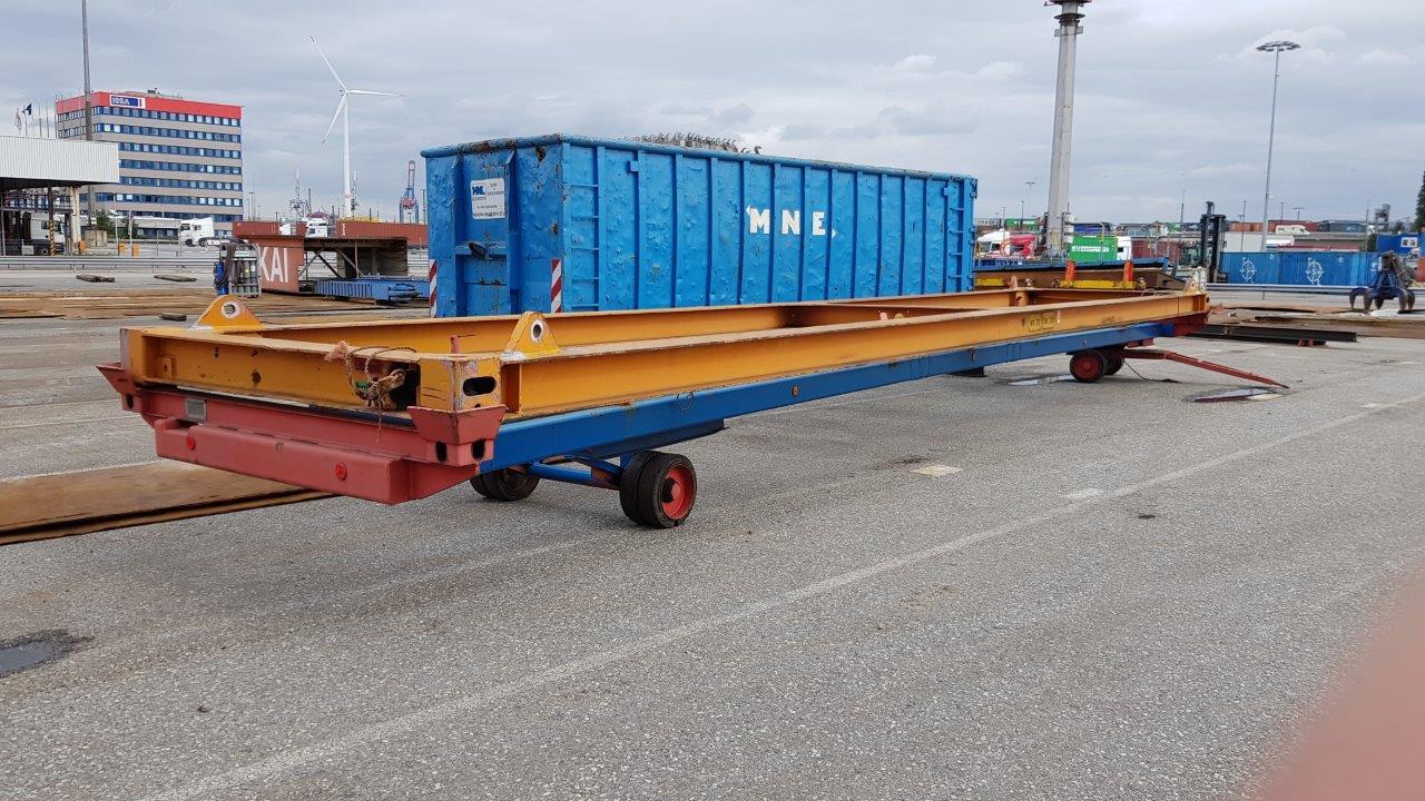 """40 """" manuele container spreader met verplaatsbare spreader wagen."""